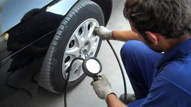 Comprueba en tres pasos el estado de los neumáticos