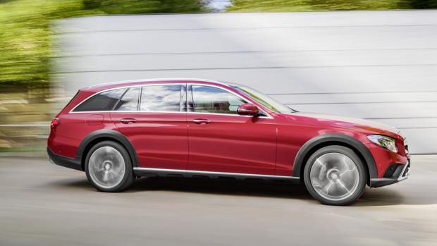 SALÓN DE PARÍS 2016:  Mercedes se apunta a los familiares todoterreno con el nuevo E All-Terrain