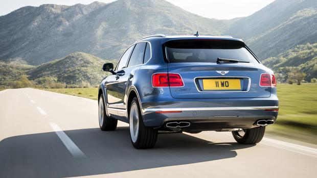 SALÓN DE PARÍS 2016:  El súper Bentley SUV estrena diésel