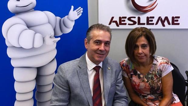 Félix Sanchidrián, director de Comunicación y RSC de Michelin España Portugal, y la directora general de Aesleme, Mar Cogollos