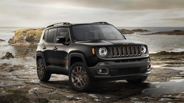 Al volante de la nueva gama Jeep 75 Aniversario