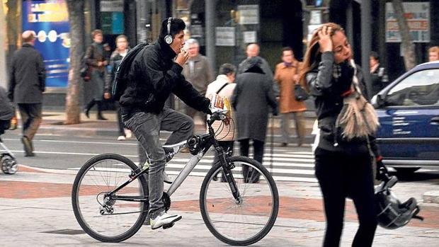 Si vas en bici te pueden multar con hasta 30.000 euros