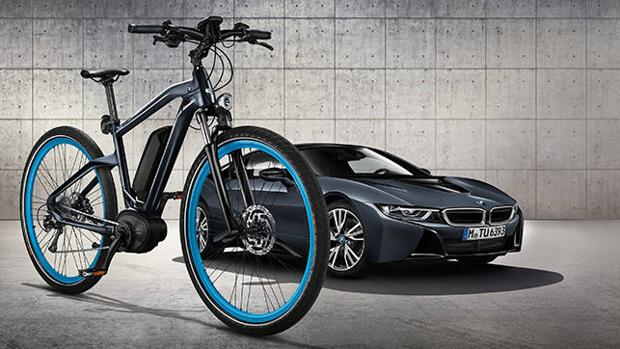 BMW Cruise e-Bike Protonic Dark Silver, inspirada en el i8