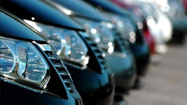 La mitad de los españoles estarían dispuestos a comprar coche en internet