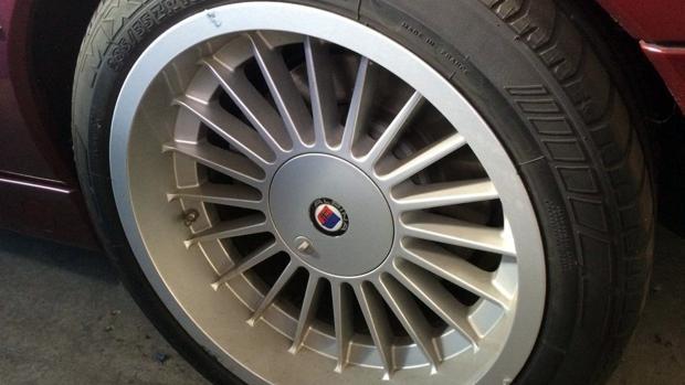 Este abandonado BMW Alpina cuesta lo que dos BMW i8 nuevos