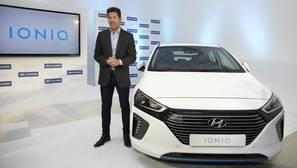 Simeone ficha por Hyundai