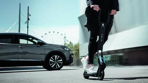 El e-Kick permitirá aparcar el coche y finalizar nuestro recorrido sin humos