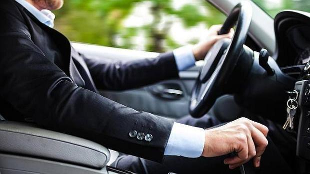 Las conductas más peligrosas cuando conduces de forma rutinaria
