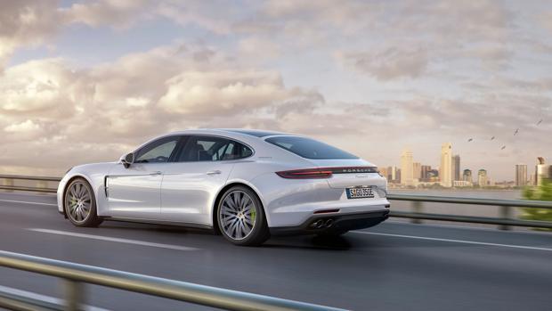 Porsche completa la gama Panamera