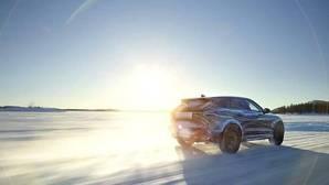 Cómo actuar si te pilla una nevada en la carretera