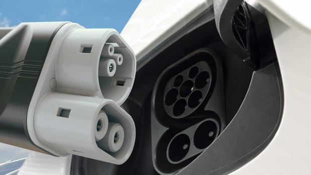Audi, Porsche, Mercedes, BMW, VW y Ford desarrollan un cargador eléctrico común