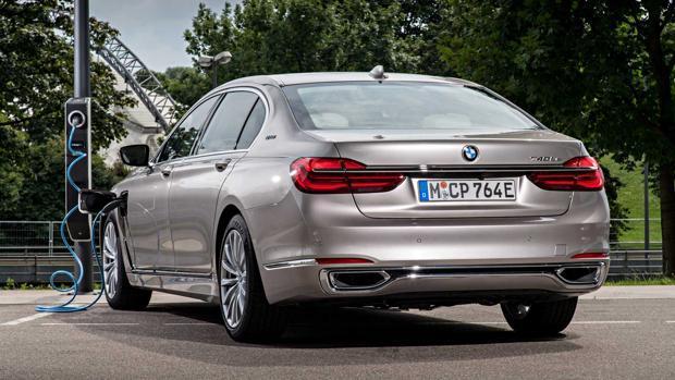 BMW ya vende más eléctricos e híbridos que deportivos