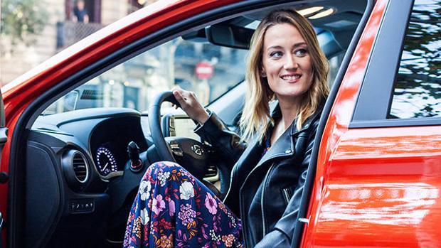 Mireia Belmonte a los mandos del nuevo Hyundai Kona