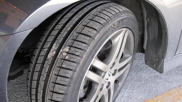 Un neumático de gran calidad es la diferencia entre conducir seguro y pendiente de cualquier movimiento extraño