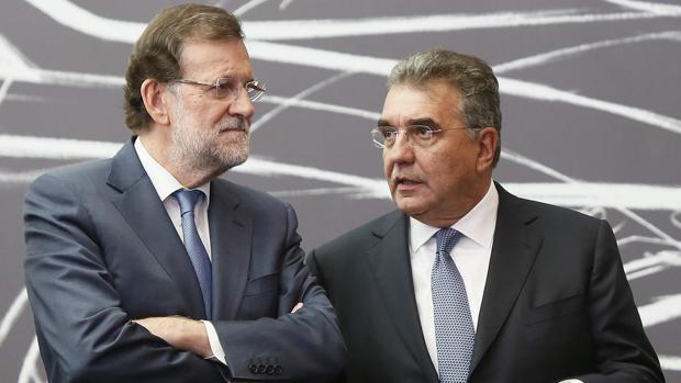 Mariano Rajoy y Francisco Javier García Sanz, en 2015
