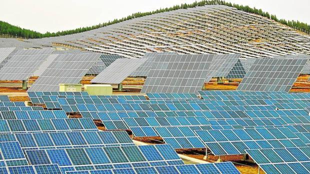 China se ha llenado de parques solares, como este de Xuzhou, para reducir la contaminación que ha traído su industrialización
