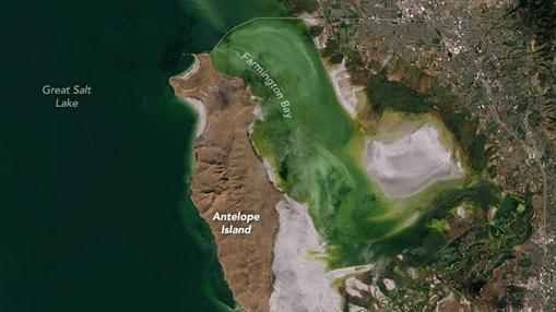 Imagen satelital tomada en 2011 del Gran Lago Salado de Estados Unidos