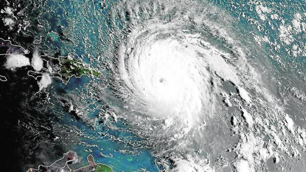 Imagen satélite del ojo del huracán Irma a su paso por las islas del mar Caribe