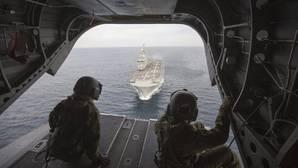 Defensa estudia embarcar helicópteros en buques franceses para el Sahel