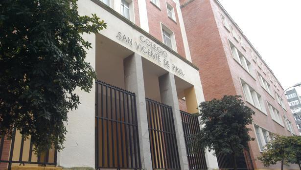 Fachada del colegio San Vicente de Paul.
