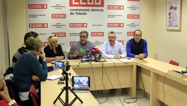 María Jesús Fernández, Ángel León, Ángel Mora, y José Luis Arroyo, ofrecieron una rueda de prensa sobre el caso del modisto Alejandro de Miguel.
