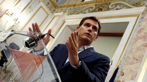 Rivera pide a Moncloa que publique su informe «antiplagio» tras la denuncia de las empresas