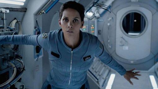 Halle Berry, otra actriz que viajó al espacio gracias a una serie de televisión