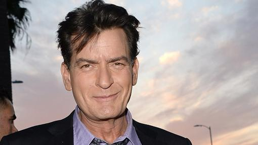 Un demacrado Charlie Sheen