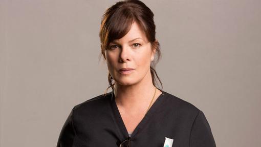 Marcia Gay Harden es la Dra. Leanne Rorish de Code Black