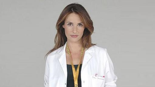 Patricia Vico como la doctora Macarena Wilson
