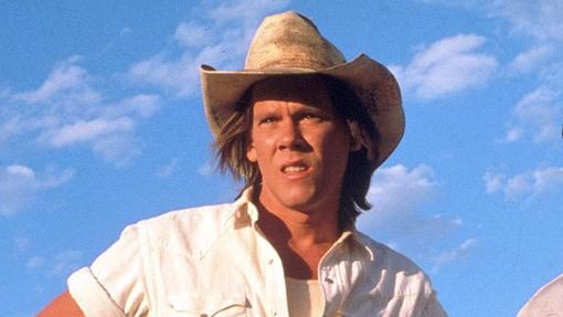 Kevin Bacon ya no es el mismo joven que se enfrentó a los gusanos, pero dará la talla