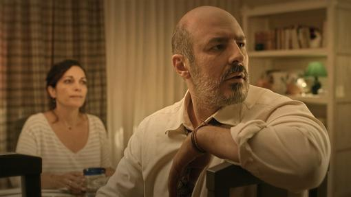 Javier Álamo interpreta a Andrés Vargas.
