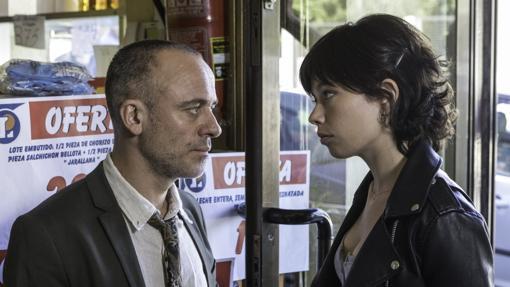 Javier Gutiérrez y Anna Castillo, padre e hija en la serie.