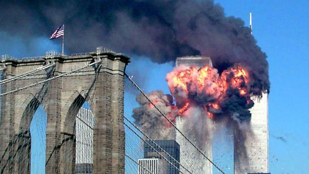 Imagen del atentado desde el puento de Brooklyn.