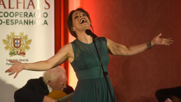 La cantante Katia Guerreiro clausura el Festival de Fado