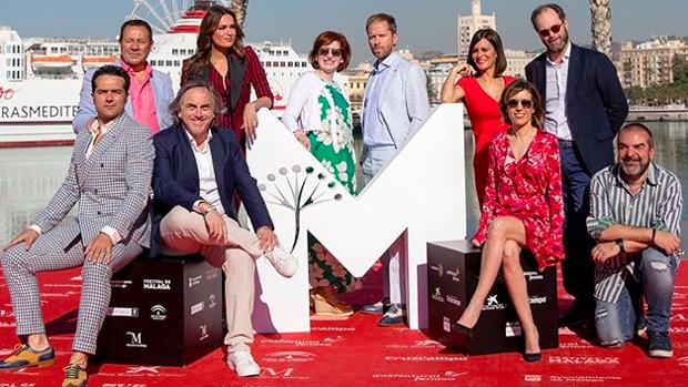 El equipo de 'El mundo es suyo', en el Festival de Cine de Málaga.