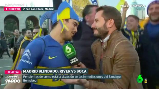 Antonio Campos, junto a los seguidores de Boca Juniors.