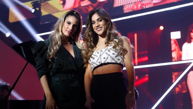 India Martínez y Julia en la gala de Navidad de 'Operación Triunfo'.
