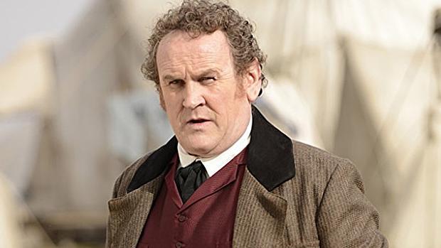 El actor irlandés Colm Meaney da vida al padre Francis Xavier Morgan.