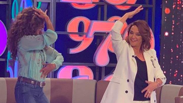 Toñi Moreno, junto a Rosario Flores, en el programa 'Un año de tu vida'.