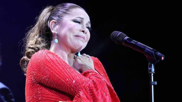 Isabel Pantoja, durante una actuación