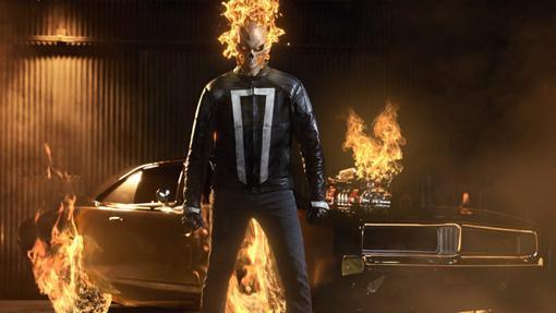 Este Ghost Rider va en coche en vez de en moto