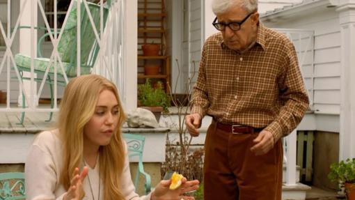 Miley Cyrus y Woody Allen en Crisis in Six Scenes