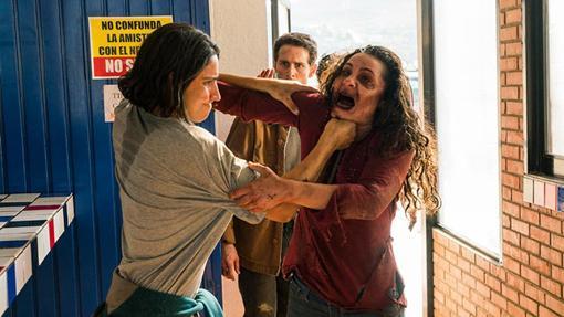 Chris perdió el miedo a los zombis y también la cordura