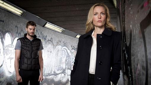 Impresionante el duelo psicologíco entre el personaje de Jamie Dornan y el de Gillian Anderson
