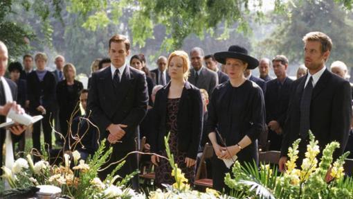 Pocas series incluyen tantos funerales...