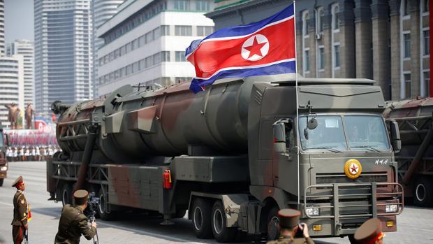 Imagen del desfile militar celebrado ayer en Corea del Norte