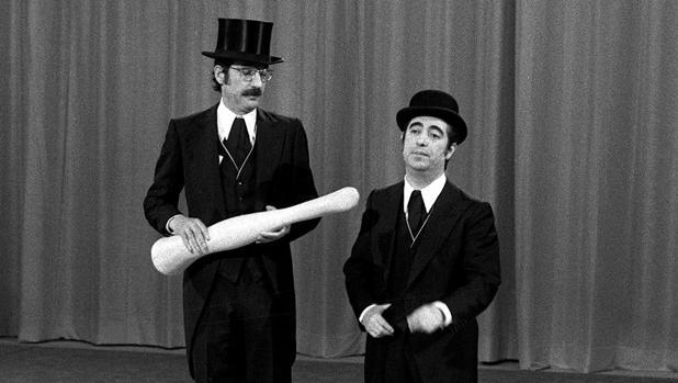 «Tip y Coll» durante su actuación en el nuevo programa de TVE «Todo es posible en domingo» en 1974