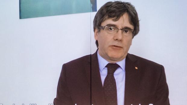 El expresidente catalán Carles Puigdemont aparece en un vídeo en el que ofrece un discurso desde Bruselas