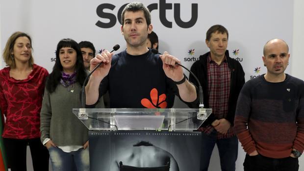 El secretario general de Sortu, Arkaitz Rodríguez, opina sobre la resolución del Tribunal Europeo de Derechos Humanos sobre el caso de presuntas torturas a los miembros de ETA